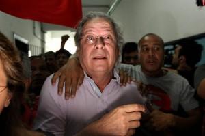 SAO PAULO/SP - 07/10/2012 - JOSE / DIRCEU - NACIONAL/OE - O ex Ministro Jose Dirceu chegando para votar.