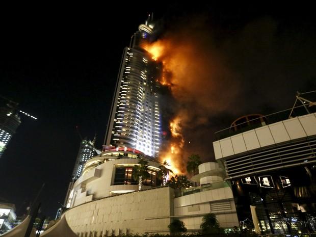 emirates-dubai-fire_ahmed_jadallah_reuters