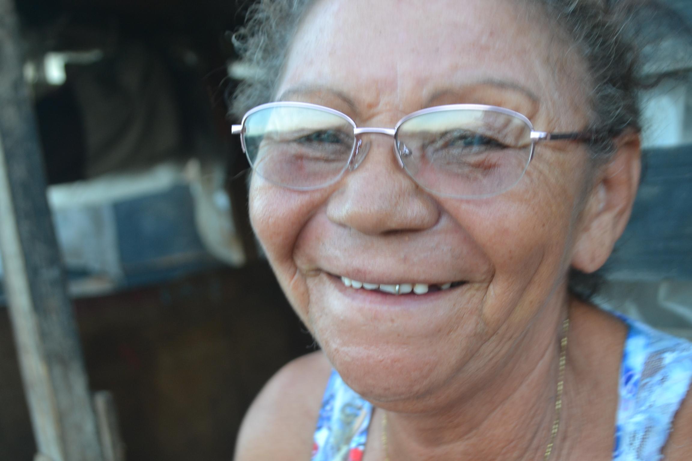 Dona Rita, 57 anos, senti dores de cabeca